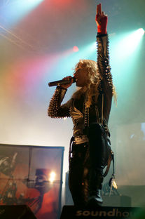 Arch Enemy live beim Christmas Metal Meeting 2011 in Geiselwind