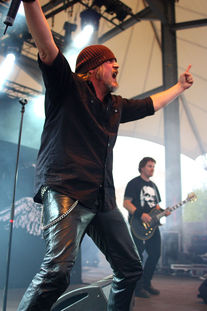 Interviewpartner Marc live auf dem Rock Hard Festival 2011